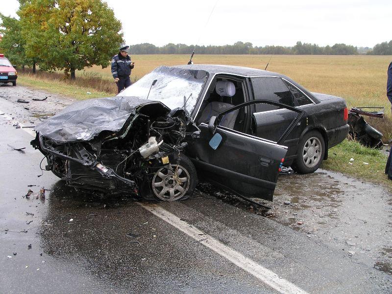 Audi 100 C4 авария дтп